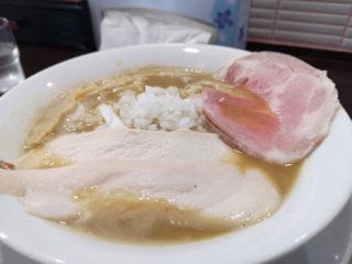 ドロッのチョイ手前のトロッ って感じのスープがまいう~ラーメン