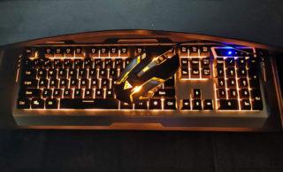 Wishで注文したキーボード 想像以上にカッコイイ! イイけど、イイんだけど使いづれぇ~。