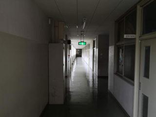 廊下の先にある化学室はシッカリっと憶えています。