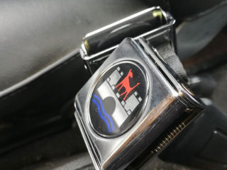 シートベルト交換 ウォルフスブルグの紋章がカッコイイ!