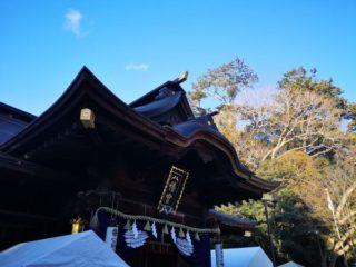 今年の八幡宮での初詣は大神様に最も近い御本殿と拝殿の間の中雀門前で参拝